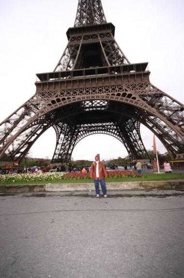 Torre Eiffel: durante o dia a visão é monumental...