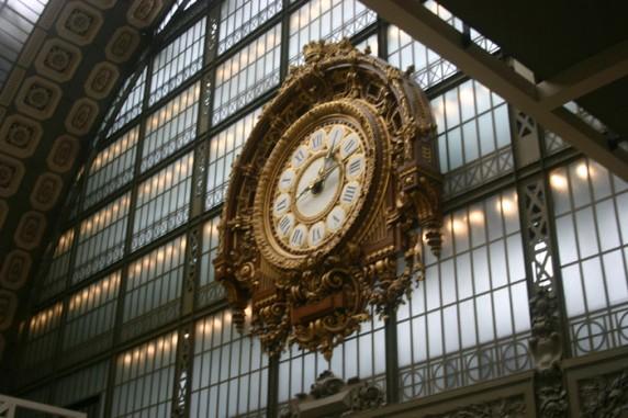 Detalhe do antigo relógio